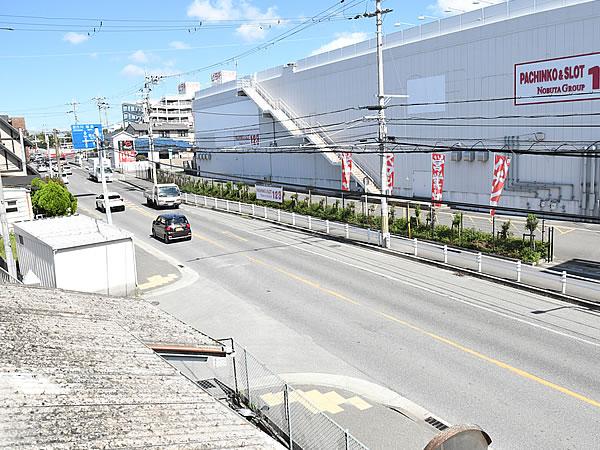 工場は県道384号線沿い
